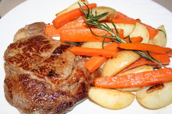 Scotch Fillet Steak  with Sauté Potatoes and Carrot