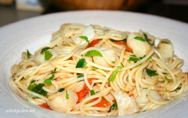 Easy Spaghetti with Scallops Recipe