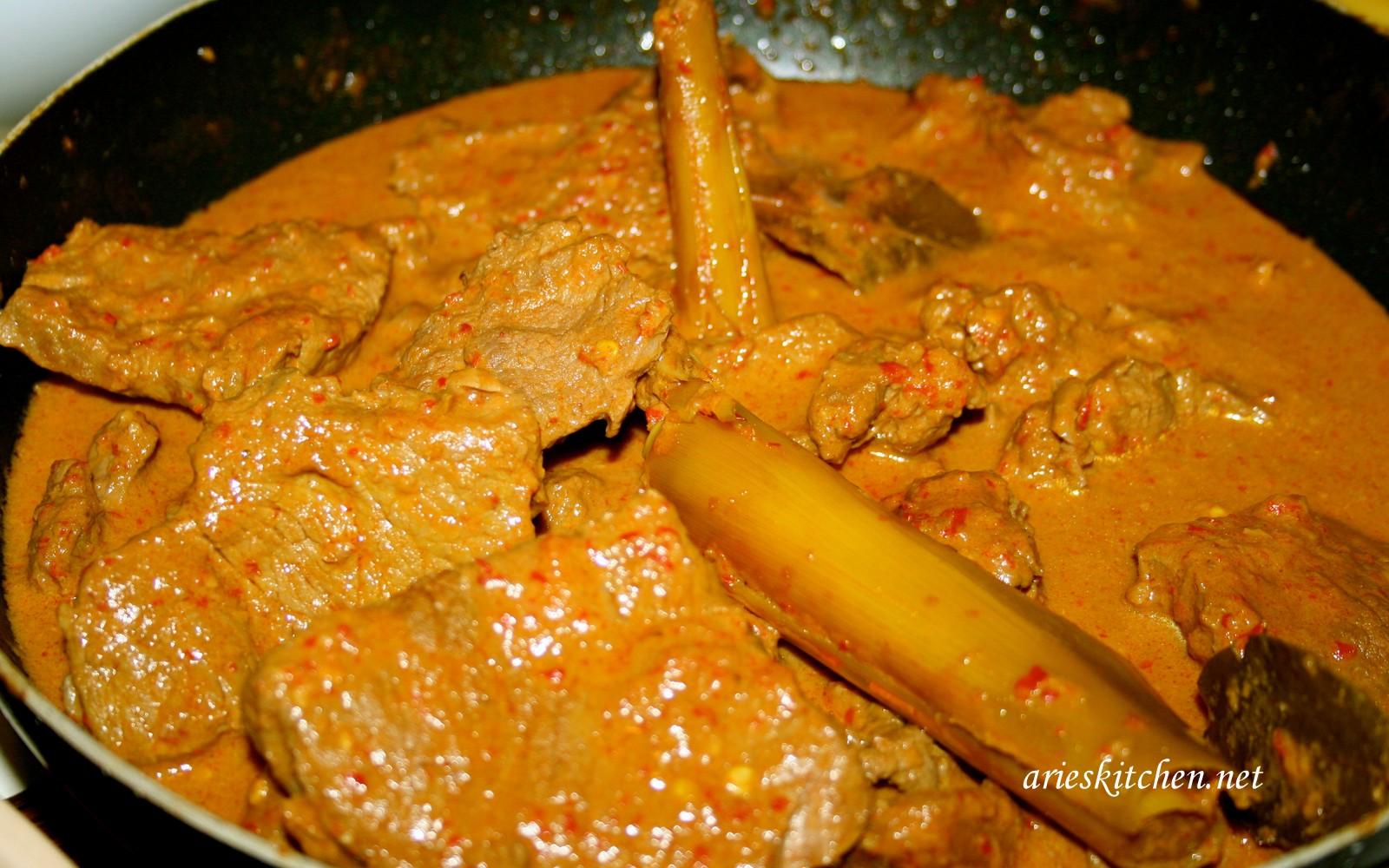 Indonesian Beef Rendang Recipe