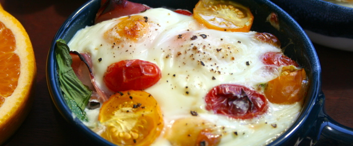 Baked Eggs with Ham, Spinach and Tomatoes Recipe