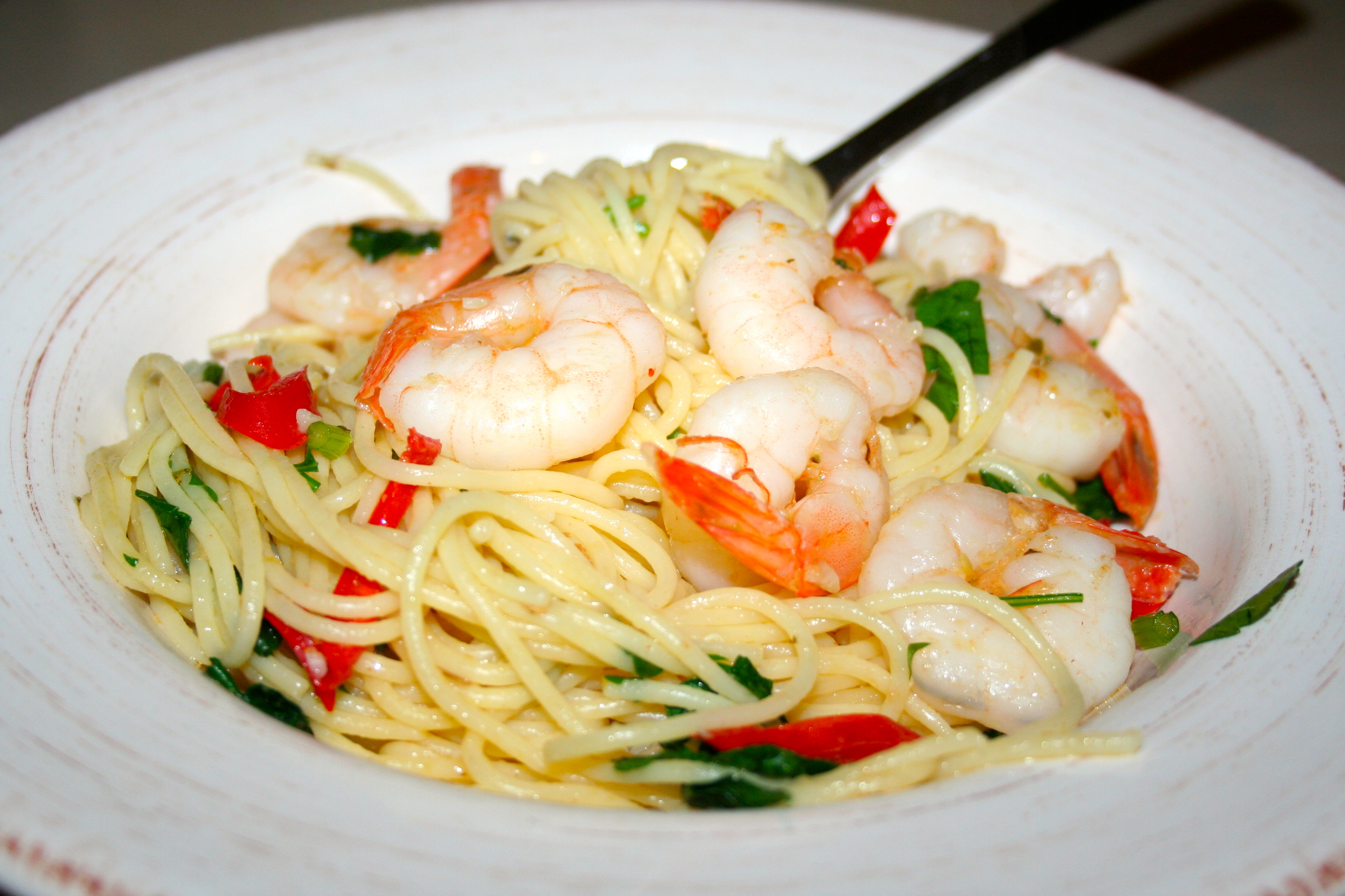 Simple prawn spaghetti recipe arie 39 s kitchen for Prawn and spaghetti recipe