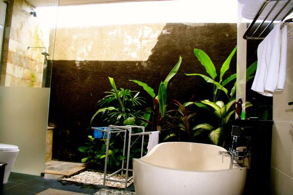 Villa Askara Bathroom